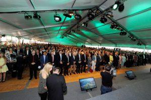 Über 1.000 Bürgermeister/innen, Vertreter von Institutionen und Unterstützern waren nach Korneuburg gekommen, um der Präsentation des Masterplans beizuwohnen. ©BMLFUW/William Tadros