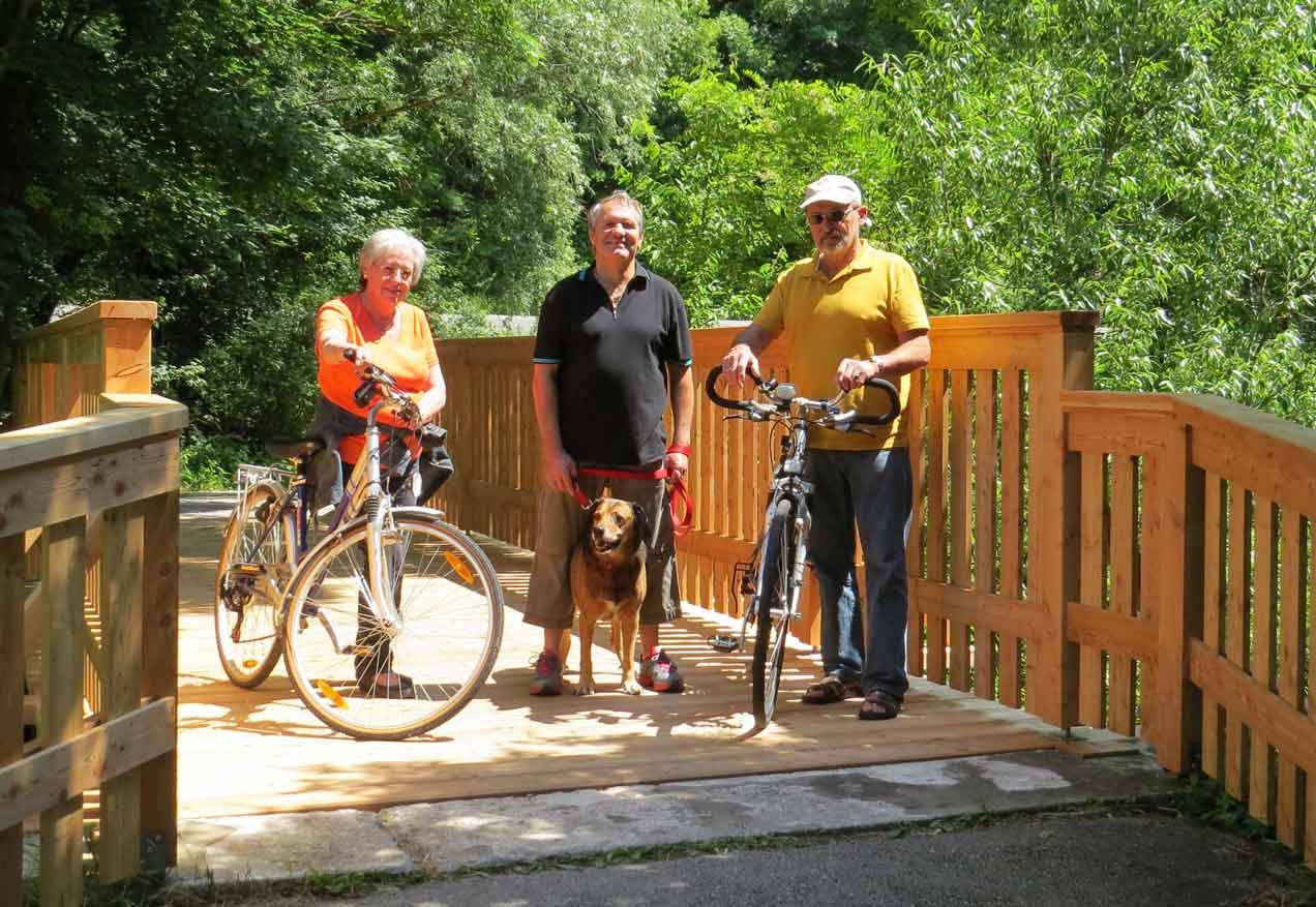 Eva Baja-Wendl hat in ihrer fünfjährigen Amtszeit zahlreiche Projekte abgeschlossen. Eines davon war die Sanierung einer Radwegbrücke im Jahr 2014. (Bild: ZVG)