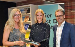 Hier ist sie in ihrer Funktion als Landesgeschäftsführerin des Tiroler Wirtschaftsbundes gemeinsam mit René Tritscher unterwegs. (Bild: ZVG)