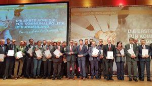Die ausgeschiedenen Vizebürgermeister und Bürgermeister sowie Landesvorstandsmitglieder wurden geehrt und würdig verabschiedet. (Bild: ZVG)