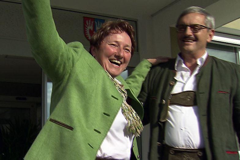 Andrea Pabinger von der ÖVP setzte sich schon im ersten Wahlgang durch und ist neue Bürgermeisterin von Lamprechtshausen (Bild: ORF)