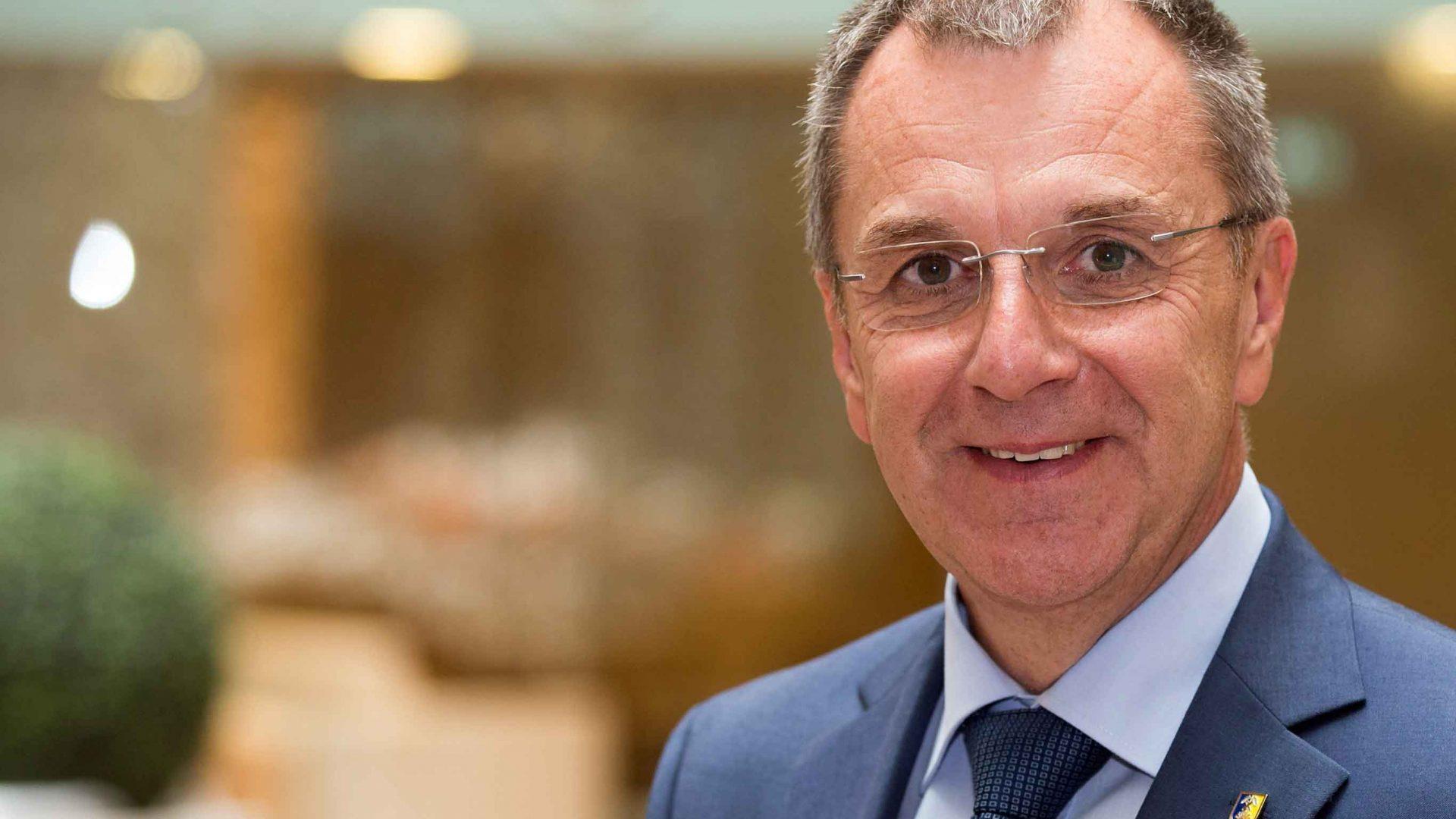 Rupert Dworak will sich voll und ganz auf sein Bürgermeisteramt und die Funktion als Präsident des NÖ GVV konzentrieren. ©Gemeindebund/Juerg Christandl