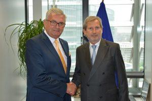 Die Gemeindebund-Delegation traf EU-Kommissar für die EU-Erweiterung Johannes Hahn,... ©Gemeindebund