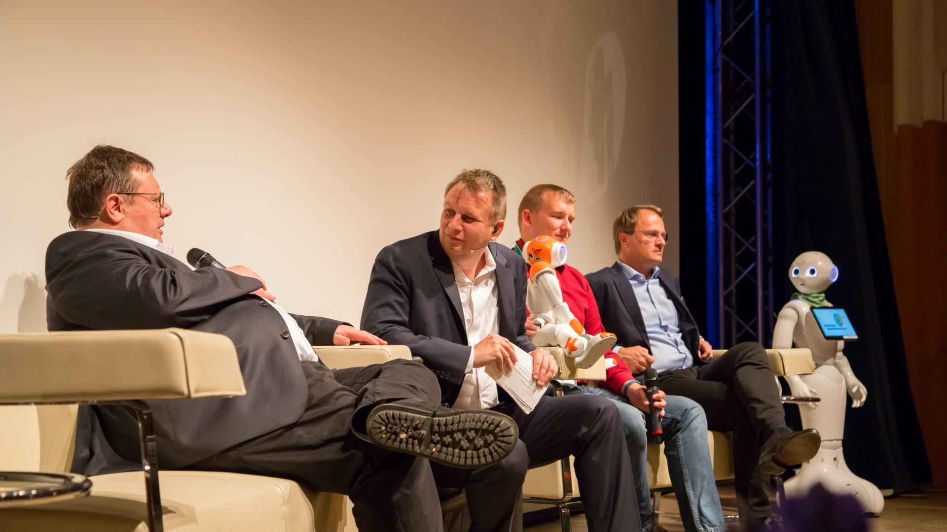 Podiumsdiskussion mit Hans-Jörg Rothen, Meinrad Knapp, Hannes Eilers und Dr. Markus Hengstschläger. ©event-fotograf/Gemeindebund