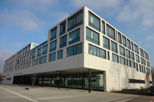Kroneuburg zeigt, dass auch ein Gefängnis und Justizzentrum keine Energieschleuder sein muss. ©LANG-Consulting