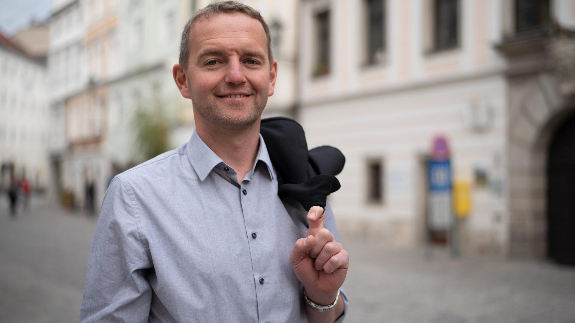 Sieger des knappen Duells um den vakanten Bürgermeistersessel: Heinz Oberndorfer (Bild: ZVG)