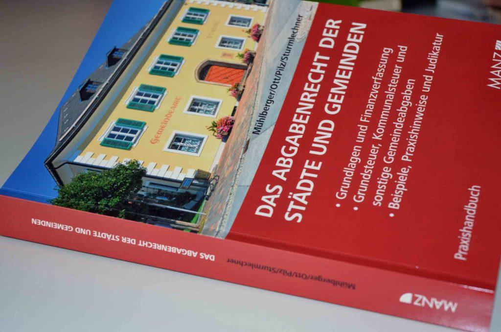 Das-Abgabenrecht-der-Staedte-und-Gemeinden_Bild-1_web