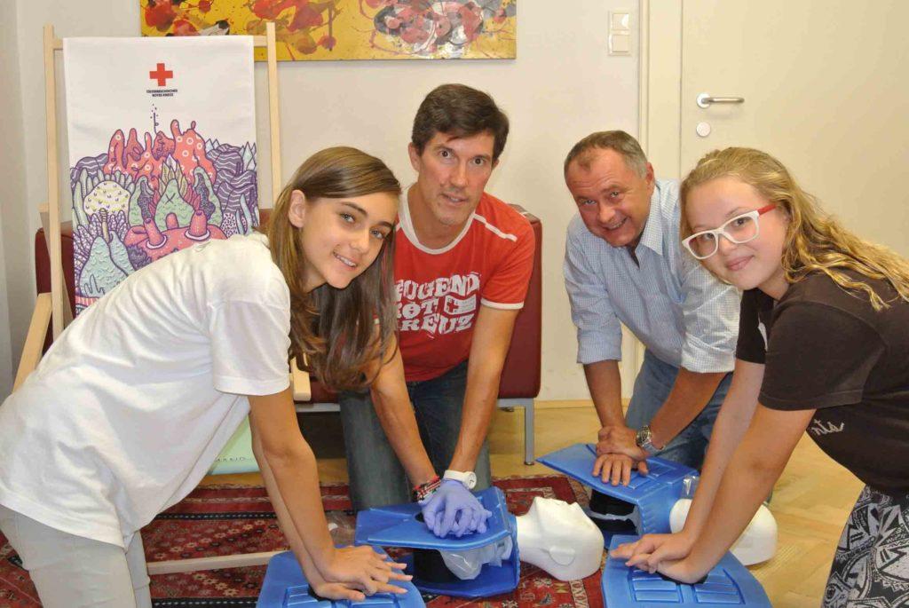 Moedling_Tag-der-ersten-Hilfe_Bgm_Hans-Stefan-Hinter_BR_OeRK_WEB