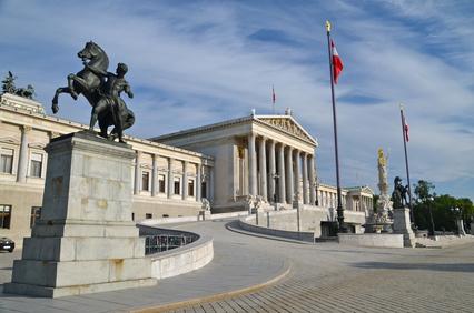 Parlament_außen_BR_©_lucazzitto_-_Fotolia.com_