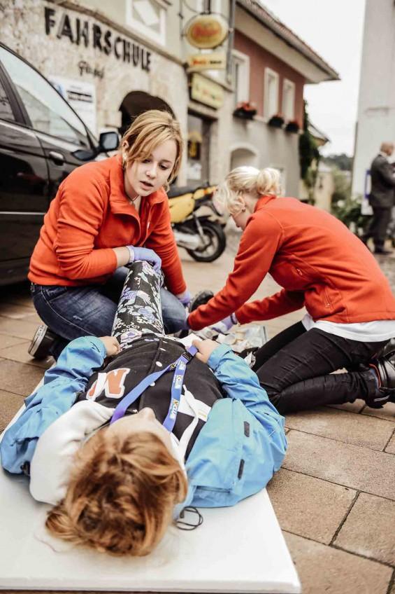 Uebung-am-Tag-der-Ersten-Hilfe_BR_riebler_WEB