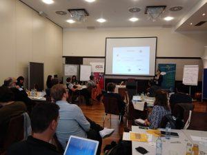 """In einer Abschlusspräsentation wurden die Ergebnisse des """"Strukturierten Dialogs"""" und der zugehörigen Fokusgruppe besprochen. (Bild: bOJA)"""