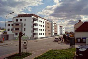 Auf dem Areal der ehemaligen Tankstelle in Bruckneudorf wurden 102 Wohnungen errichtet, die noch im Dezember bezogen werden können. ©OSG