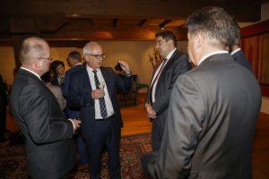 Schaans Bürgermeister Daniel Hilti (zweiter von links) hat in seiner Gemeinde mehr Arbeitsplätze als Einwohner. ©Travel-lightart.com