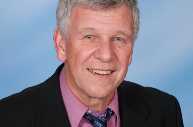 Über die Hälfte seines Lebens hat er der Kommunalpolitik gewidmet, nun soll allerdings Schluss sein - Wolfgang Fahrnberger legt alle seine Ämter zurück (Bild: ZVG)