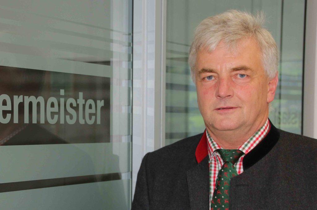 Flörl wurde mit einem überragenden Wahlergebnis zum Bürgermeister Harts. Mit 608 Wahlstimmen gelang ihm der Sieg. (Bild: ZVG)