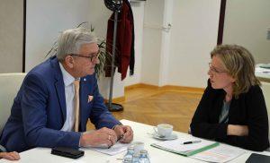 Umweltministerin Gewessler zeigte großes Verständnis für die Anliegen der Gemeinden und will auch zukünftig auf einen intensiven Austausch setzen. ©Gemeindebund