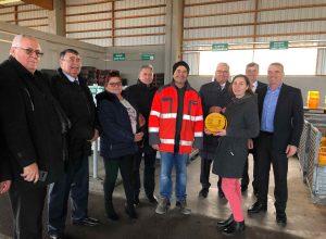 Vetreter des Österreichischen Gemeindebundes zeigten ihren rumänischen Amtskollegen das interkommunale Wertstoffzentrum Wagram. ©Gemeindebund
