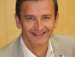 Schwarzachs Bürgermeister Andreas Haitzer ist überzeugt: Die Vier-Tage-Woche bringt ausschließlich Vorteile für Bürger und Mitarbeiter. (Bild: ZVG)