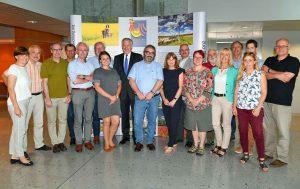 Die internationale und interdisziplinäre Jury mit dem niederösterreichischen Landesrat Martin Eichtinger (7.v.l.). (Bild: ZVG)