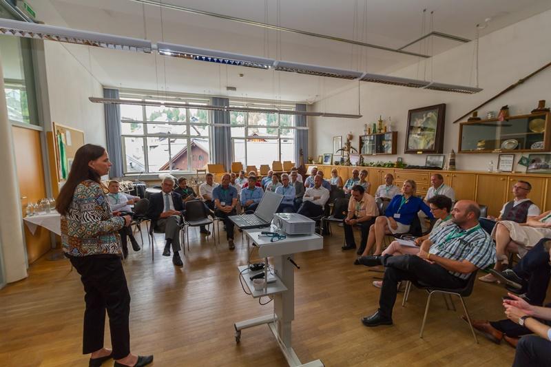 Anke Knopp ist freiberufliche Bloggerin und Autorin zur digitalen Transofrmation im Lebensalltag der Menschen und Kommunen. ©event-fotograf.at