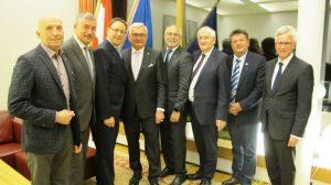 Besuch des Gemeindebund-Präsidiums beim österreichischen Botschafter Maximilian Hennig in Finnland. ©Gemeindebund