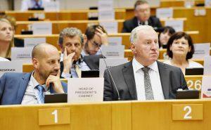 Der neue Präsident strebt einen engen Schulterschluss zwischen dem AdR und allen Städten und Regionen in Europa an und will die Beziehungen zwischen den Institutionen der EU vertiefen. ©European Union/Fred Guerdin