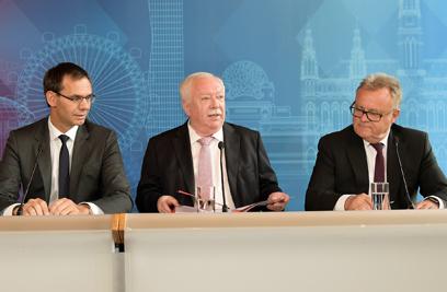 Landeshauptmann Markus Wallner, Wiens Bürgermeister Michael Häupl und Burgenlands Landeshauptmann Hans Niessl verkündeten nach der Konferenz die Einigung in Sachen Pflegeregress. ©C. Jobst/PID