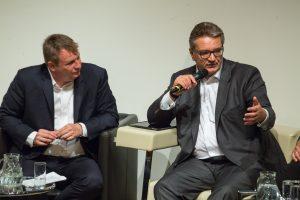 Meinrad Knapp moderierte und Peter Hacker (Wiener Stadtrat) diskutierte mit. ©event-fotograf/Gemeindebund