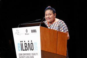"""Nobelpreisträgerin Rigoberta Menchú: """"Wir missachten den anderen, weil er nicht gleich ist."""" ©CEMR Bilbao 2018"""