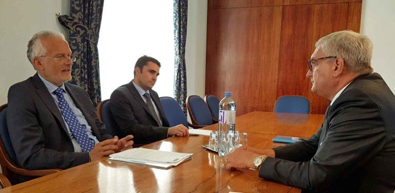 Ein sehr konstruktives Gespräch führten die Gemeindebund-Spitzen bei Deregulierungsminister Josef Moser. ©Gemeindebund