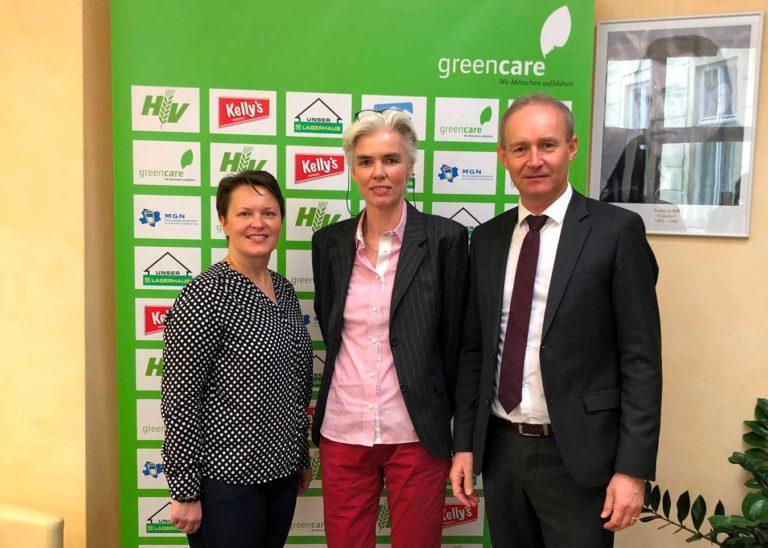 Obmann Robert Fitzthum (r. mit Senta Bleikolm-Kargl und Nicole Prop) will die Kooperation von Green Care mit Gemeinden vorantreiben. © Green Care Österreich