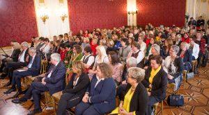110 Bürgermeisterinnen aus allen Bundesländern folgten dem Aufruf von Doris Schmidauer, in die Hofburg zu kommen und sich auszutauschen. ©Schuller
