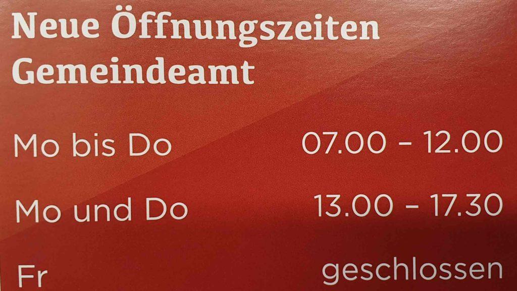 Das Gemeindeamt der Marktgemeinde Schwarzach im Pongau hat neue Öffnungszeiten: Mit 1. Jänner 2020 ist in der Salzburger Gemeinde die Vier-Tage-Woche eingeführt worden. (Bild: ZVG ©Andreas Haitzer)