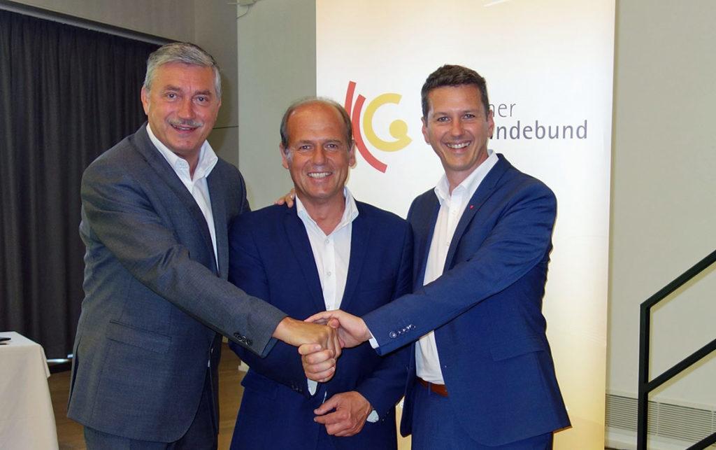 Peter Stauber, Präsident des Kärntner Gemeindebundes, gemeinsam mit dem neuen Vizepräsidenten Christian Poglitsch und Landesrat Daniel Fellner (v.l.n.r.). (Bild: ZVG)