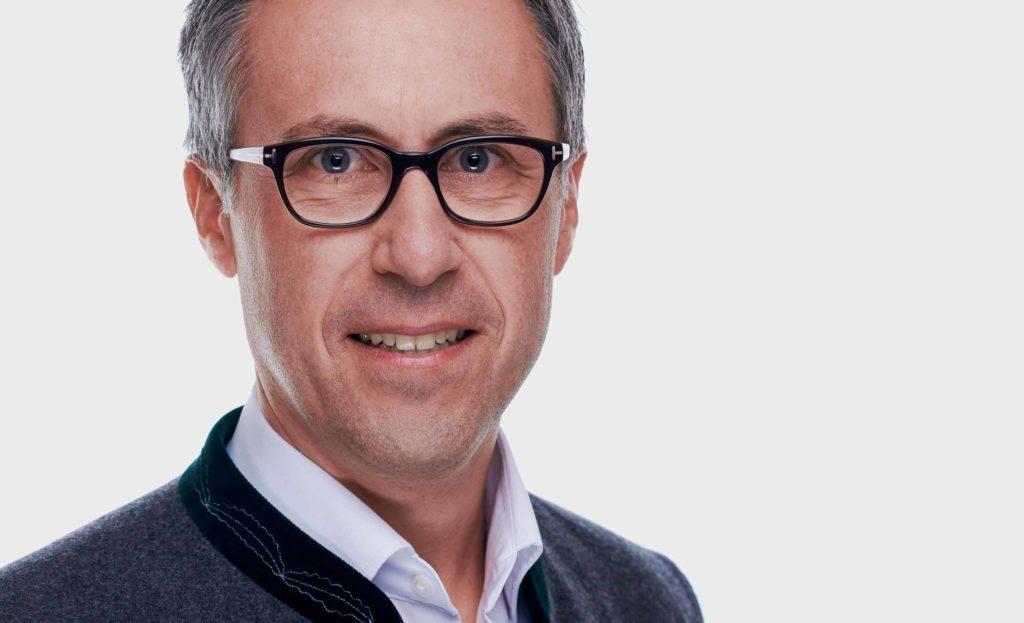 Strasser blickt zufrieden auf die Zeit als Bürgermeister zurück und sieht der Aufgabe als Bauernbundpräsident positiv entgegen. ©Bauernbund
