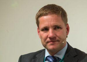 Vorher noch am Rednerpult, nun beim Expertentalk: Univ.-Prof. MMag. Dr. Gottfried Haber (Donau-Uni Krems). ©event-fotograf/Gemeindebund